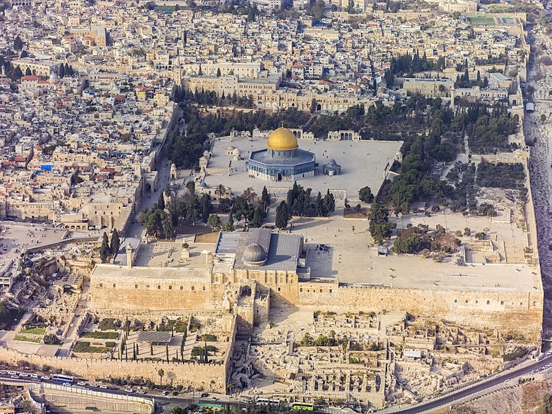 800px-Israel-2013(2)-Aerial-Jerusalem-Temple_Mount-Temple_Mount_(south_exposure)